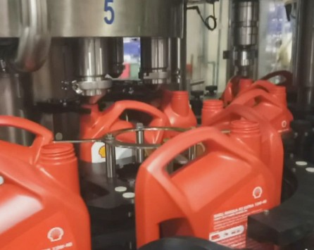 machines-for-packaging-in-the-lubricant-and-chemical-products-sector
